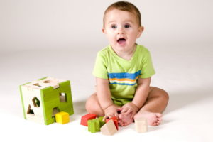 Период развития ребенка с 9-12 месяцев