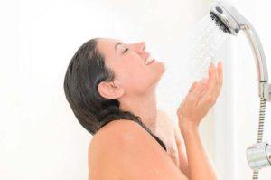 Контрастный душ от усталости