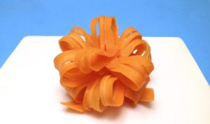 Цветок из моркови