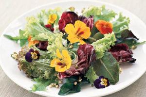 Украшение блюд цветами