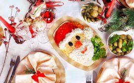 Новогодний стол украшение блюд