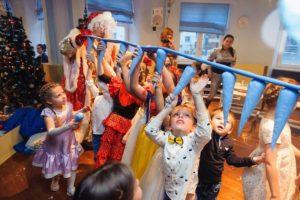 Конкурсы и опыты новогодние для детей
