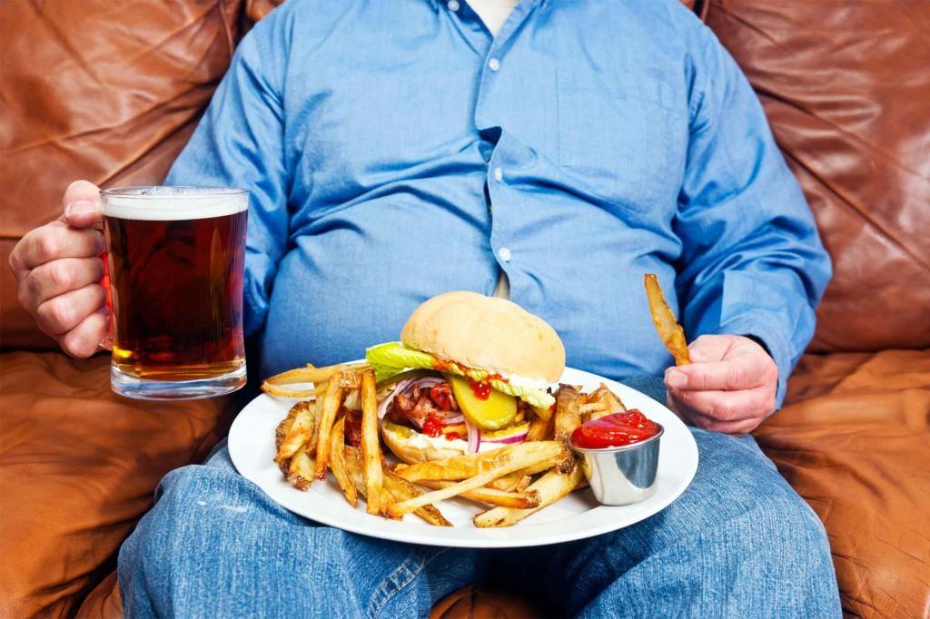 Главные враги печени жирная пища и алкоголь