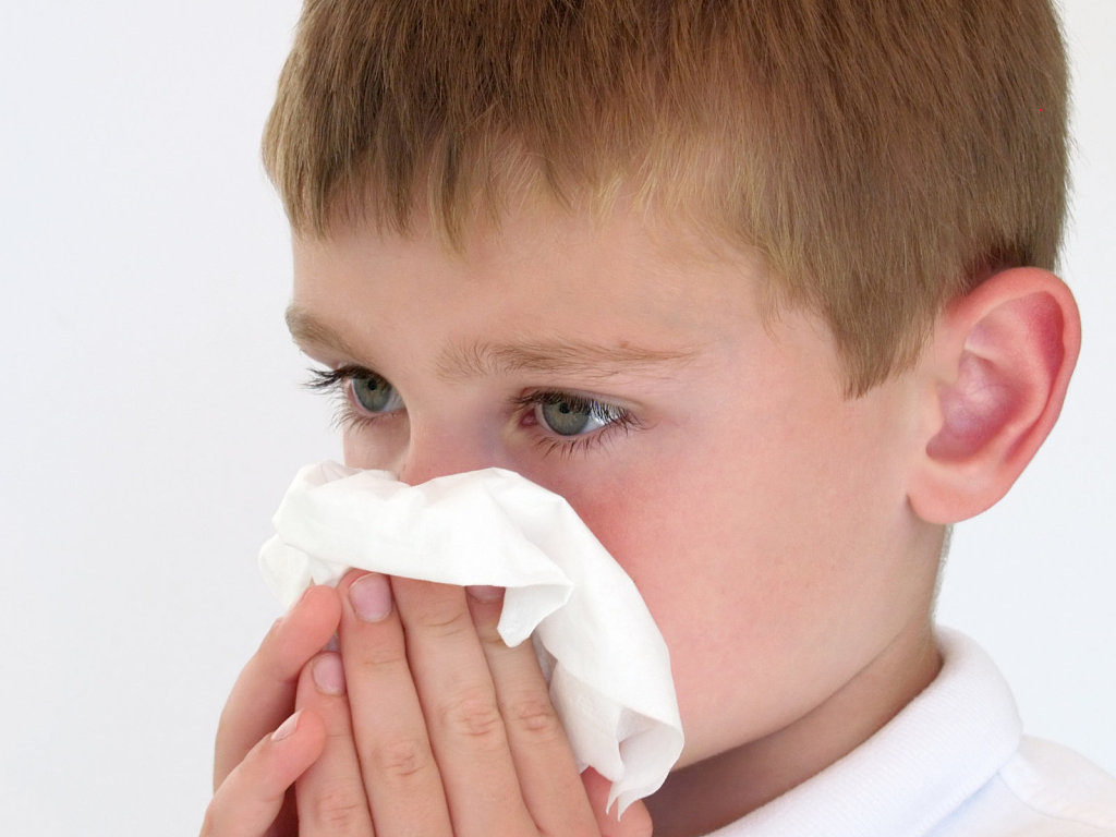 Носовое кровотечение у детей, причины и лечение