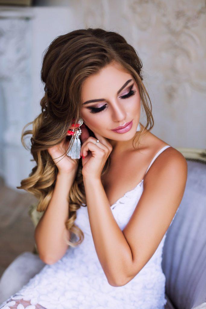 Как сэкономить на свадьбе макияж и прическа невесты