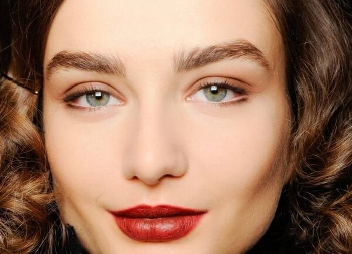 Модный макияж 2020 года брови