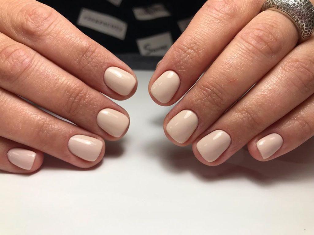 Ногти нюдовыого цвета