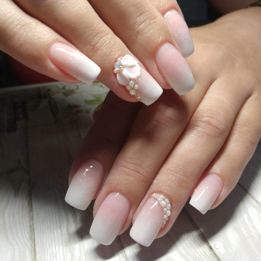 Американский френч на ногтях