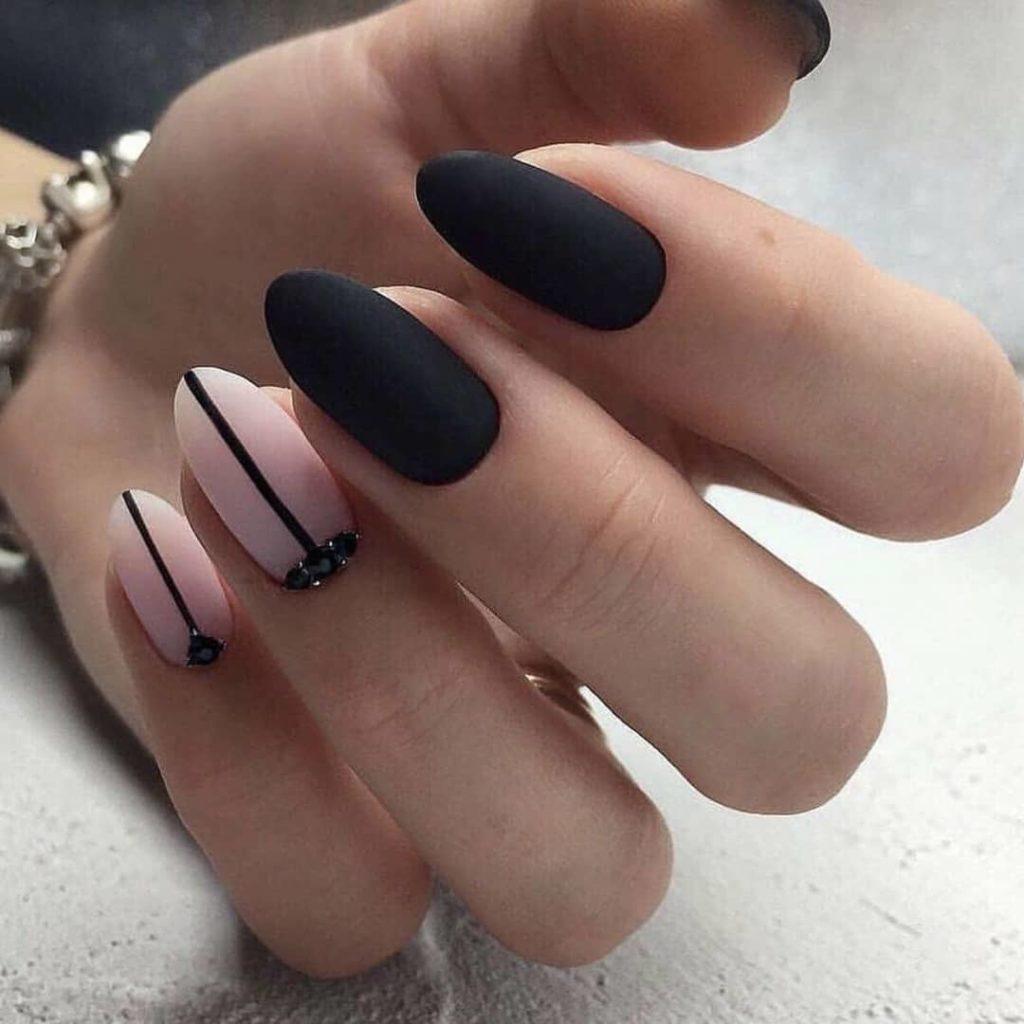 Ногти черного цвета