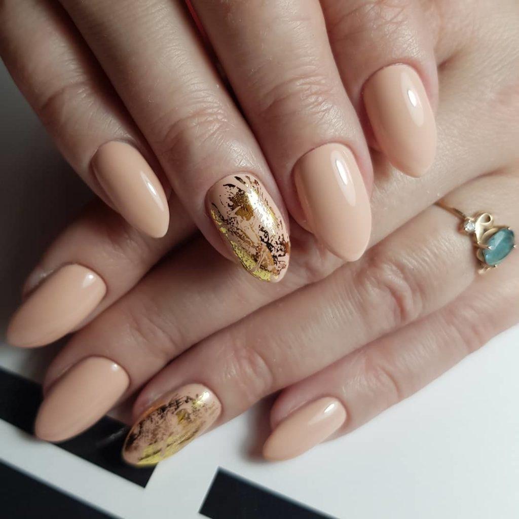 Дизайн ногтей с фольгой