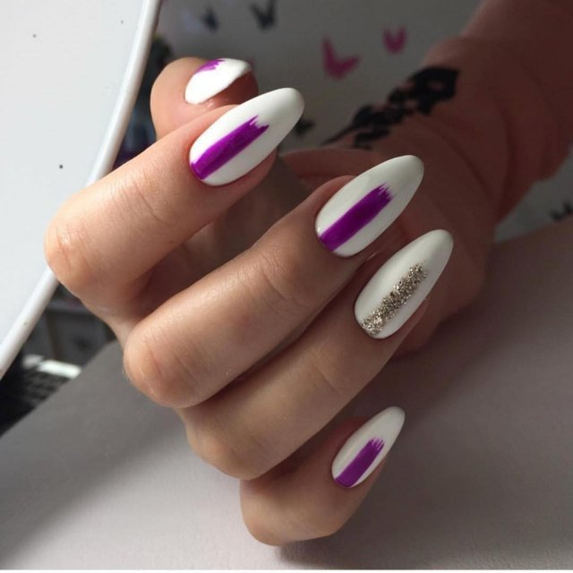 Ногти белый цвет