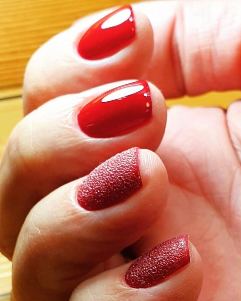 Ногти с мыльной пеной