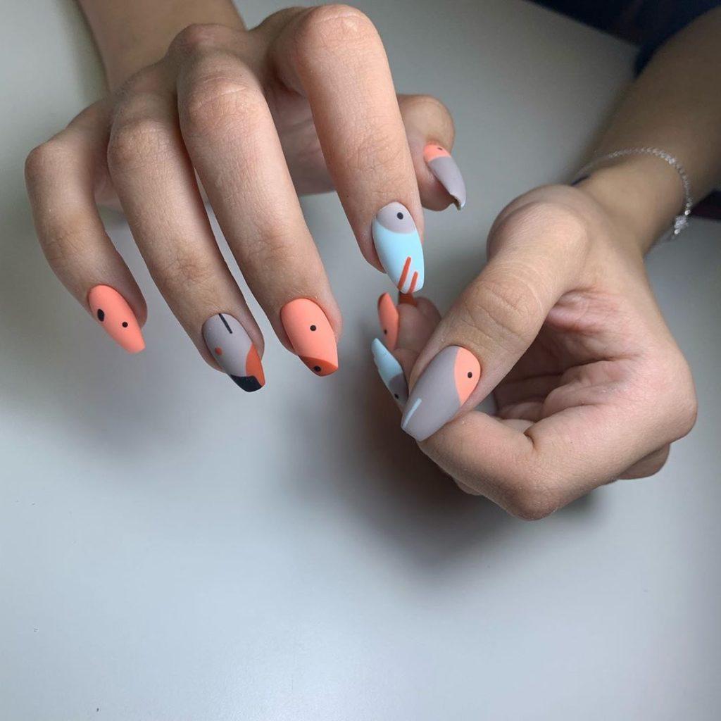 Ногти персикового цвета